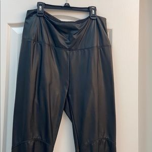 Lysse faux leather pants